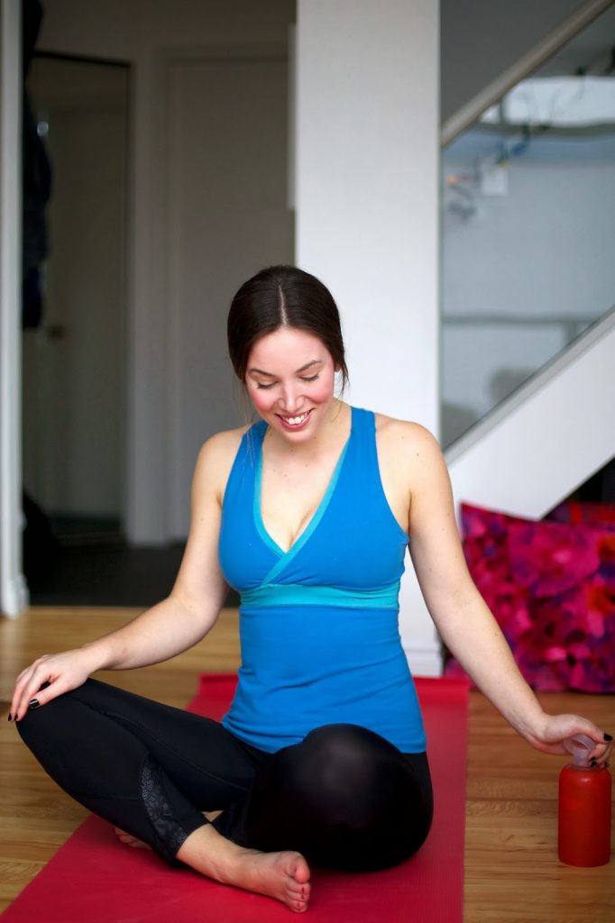 to vogue or bust for yyoga, yoga blogger, lululemon tights, lululemon top, obakki foundation bottle, bkr bottle, yyoga