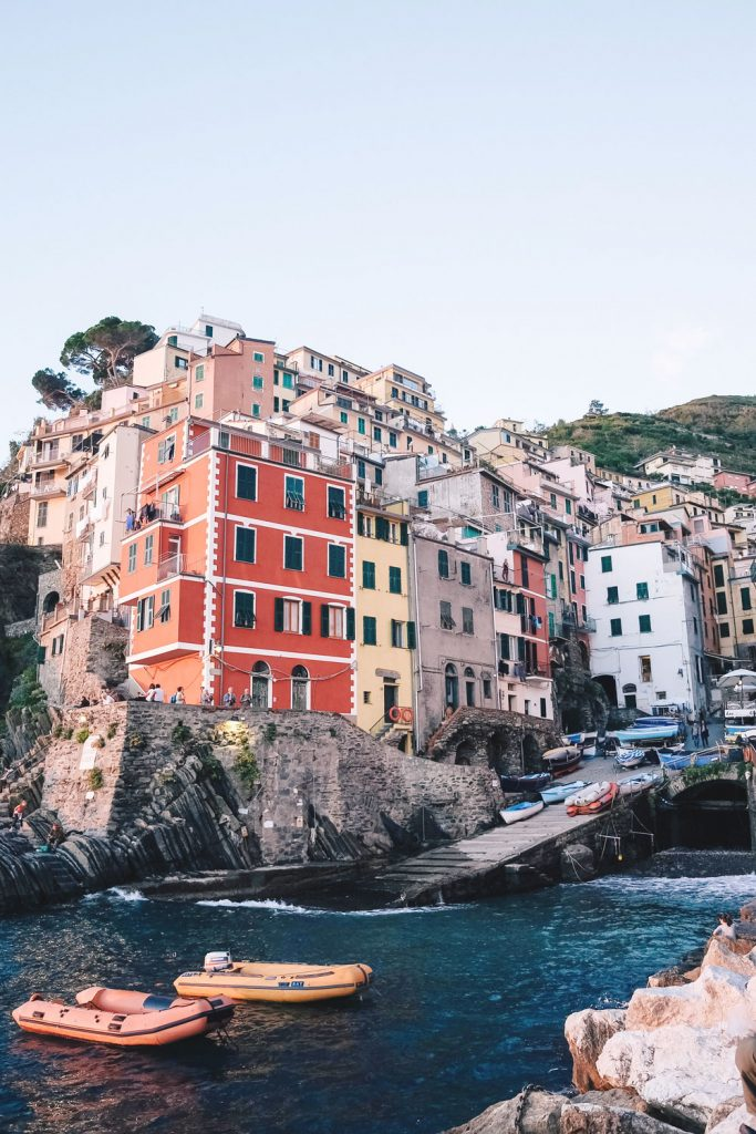 what to see in Cinque Terre, what to do in Cinque Terre, what to see in Riomaggiore, what to see in Riomaggiore, what to pack for Italy, best views in Cinque Terre, where to hike in Italy, where to hike in Cinque Terre, monterosso al mare hike, Vernazza hike, views of Vernazza, where to stay in Cinque Terre, Manarola travel guide, Manarola tourism guide, Manarola Italy, Manarola views by To Vogue or Bust