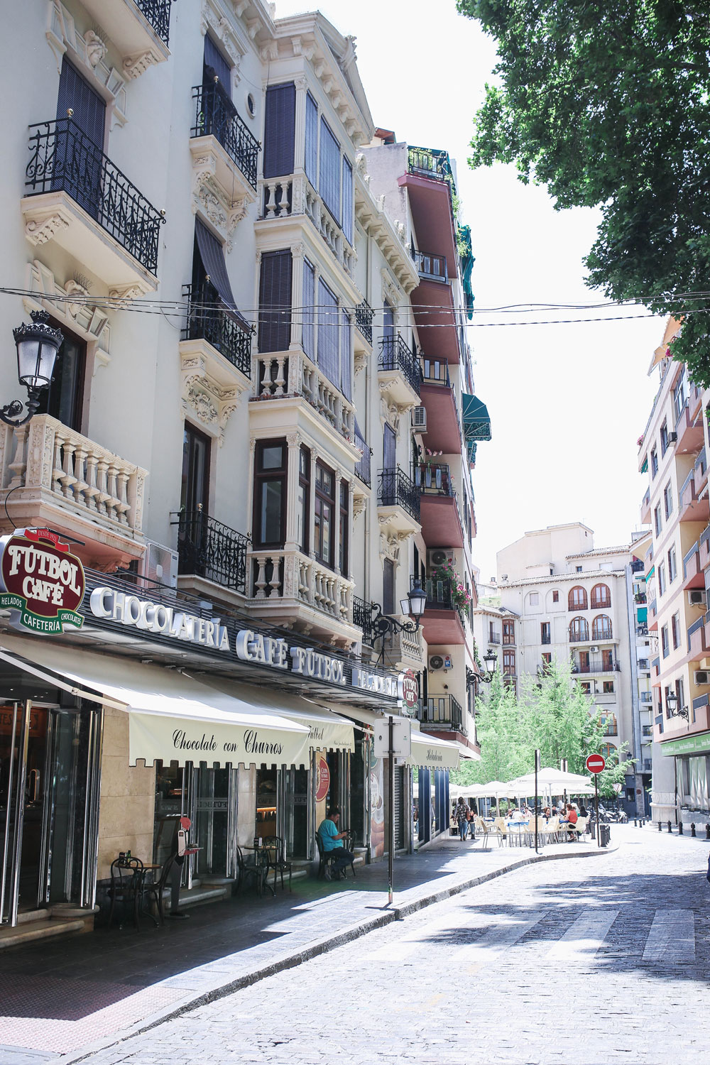 what to eat in granada by To Vogue or Bust