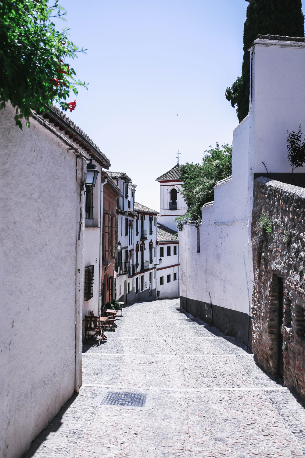 Walking tour granada spain by To Vogue or Bust
