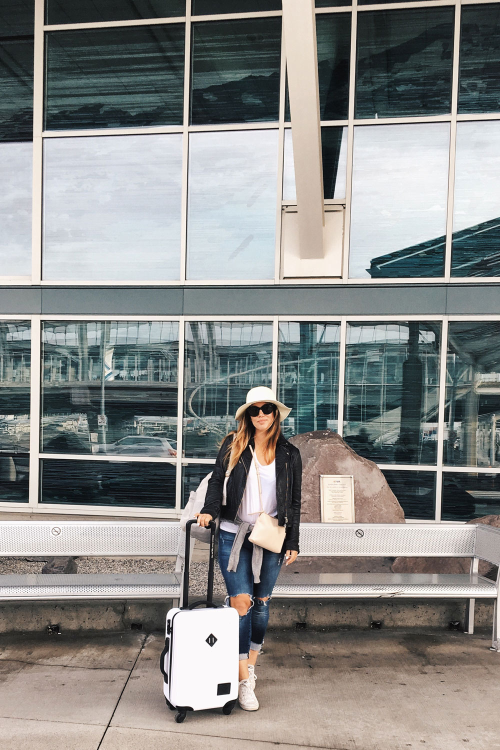 Best airlines canada by To Vogue or Bust