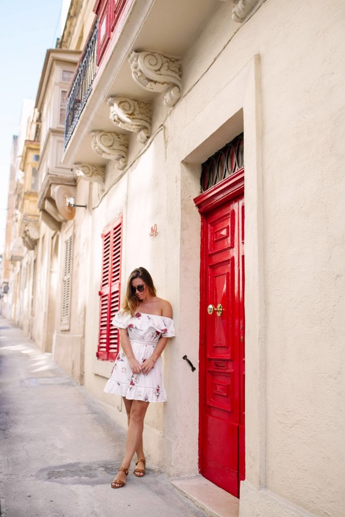 best dresses for travel by To Vogue or Bust