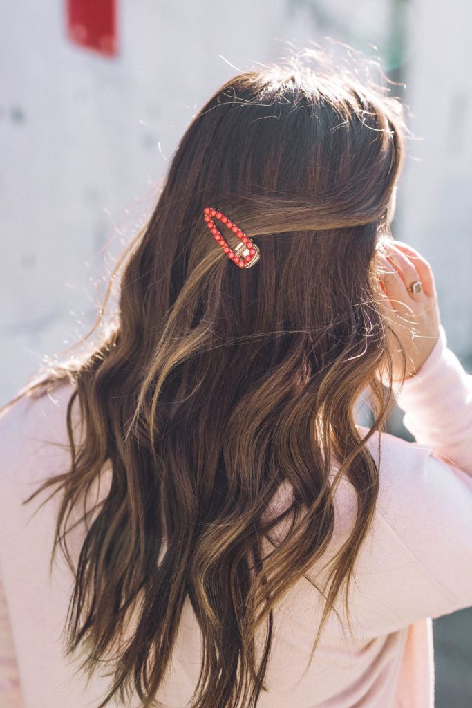 How to style retro hair clips