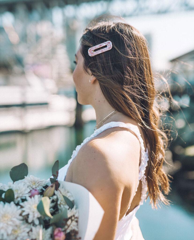 6 ways to wear retro hair clips