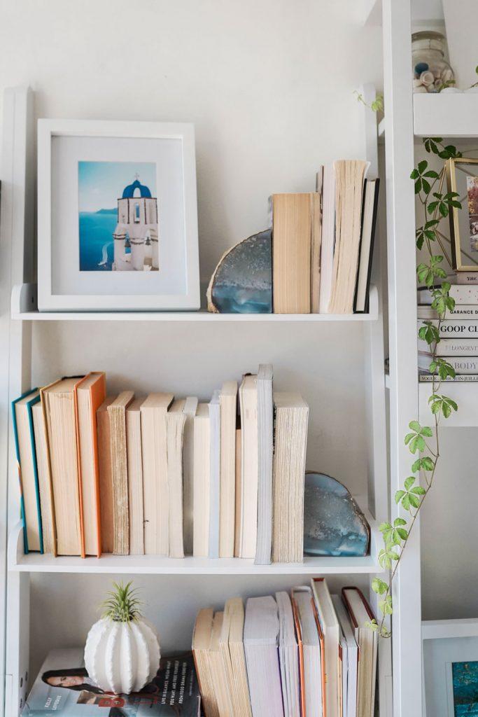 Bookcase decor ideas